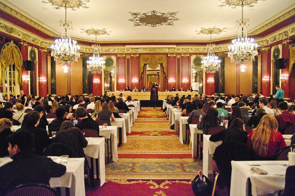 MUNUC vs. CIMUN: The Contradictions of the Chicagoland MUN Circuit